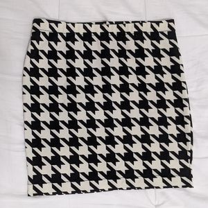 Hi-Rise Houndstooth Pencil Skirt - Candie's